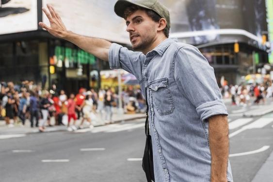 Taxi aanhouden op straat