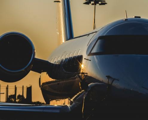 Vliegtuig-op-Amsterdam-Schiphol-Airport